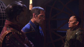 Archer confronts Xindi-Primates