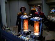 Janeway und Torres - die Proben sind an Bord