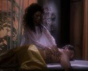 Ibudans Klon erhält ein Lauriento-Massage