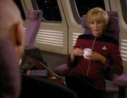 Nechayev wird von Picard freundlich empfangen