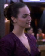 Female Bajoran customer 2369
