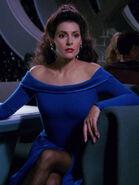 Hologramm von Deanna Troi 2366 im Zehn Vorne