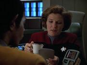 Tuvok und Janeway stellen Ermittlungen an