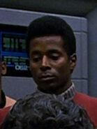 Männlicher Offizier afrikanischer Abstammung der Enterprise-A