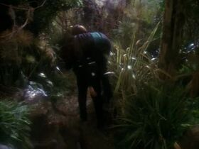 Worf carries Dax on Soukara