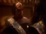 Worf berichtet Martok von Alexander