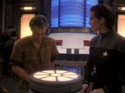 Jadzia erfährt von ihrer Hochzeit mit Worf