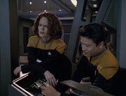 Torres und Kim untersuchen den Universalschlüssel