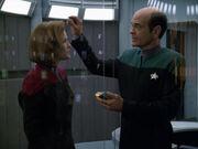 Der Doktor stellt die Erkrankung der ganzen Crew fest