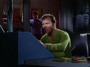 Kirk auf der Constellation