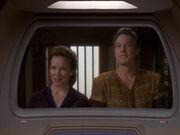 Miranda O'Brien und Yedrin Dax begrüßen Sisko
