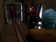 Sisko hält Kira und Bolianer in Schach
