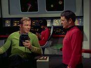 Kirk belobigt Scott