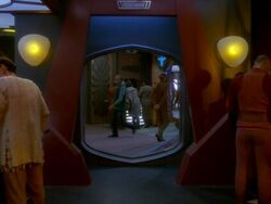 Quark's Bar, Crossfire
