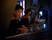 Kim und Torres arbeiten an der Sonde