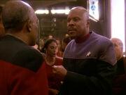 Sisko teilt Whatley mit dass sein Sohn im vergibt