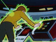 Kirk wird von dem magnetischem Organismus angegriffen