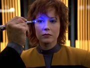Der Doktor untersucht die menschliche Lyndsay Ballard