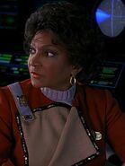 Uhura mit geöffneter Uniformjacke
