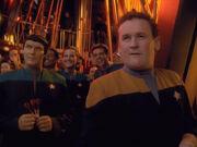 O'Brien und Syvar spielen Darts
