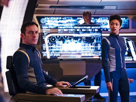 Gabriel Lorca and Michael Burnham on the bridge of the USS Discovery