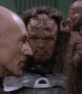 Klingon officer 1, 2369