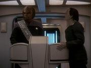 Garak übt sein Geschick im Lügen an Worf