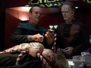 Der Doktor und Moset behandeln Torres