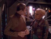 Quark macht Odo für die Sicherheit seiner Bar verantwortlich