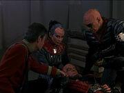 McCoy sucht Puls bei Gorkon