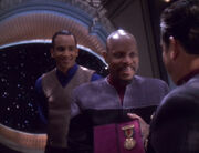 Ross awards Sisko CP Medal of Valor
