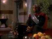 Worf stellt die Beziehung mit Dax in Frage