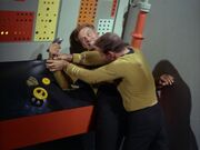 Kirk besiegt Finney