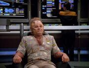Neelix auf dem Stuhl des Captains
