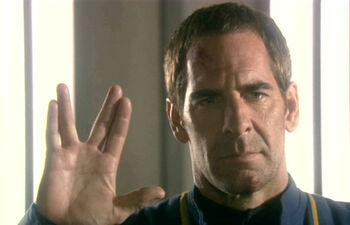 Archer vulcan salute, KirShara