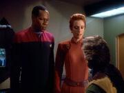 Sisko und Kira verhören Boone