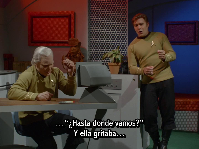 Star Trek Continues - La sombra que aún se cierne - Still Treads the Shadow (en español)