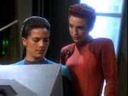 Jadzia und Kira auf der OPS