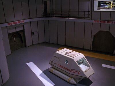 Shuttle Onizuka im Hangar