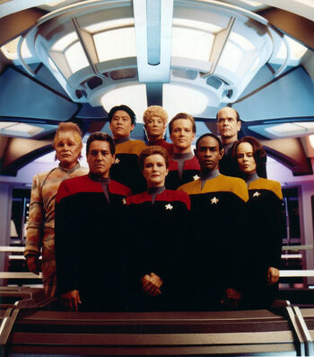 "The cast, <a href=""/wiki/VOY_Season_1"" title=""VOY Season 1"">Seasons One</a> to <a href=""/wiki/VOY_Season_3"" title=""VOY Season 3"">Three</a>"