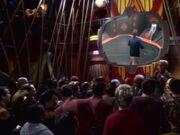 Im Quarks verfolgt man das Racquetballspiel