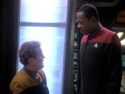 Der Chief berichtet Sisko von seinen Funden