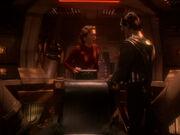 Dukat fordert Kira auf an seiner Seite zu kämpfen