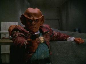 Quark kills a Jem'Hadar
