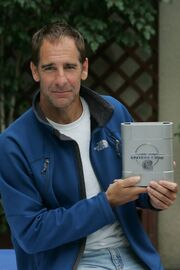 Scott Bakula with ENT DVD