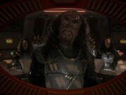 Klingonischer Captain konfisziert die Groumall