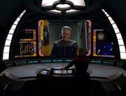 Captain Janeway erhält von Admiral Hendricks einen Auftrag