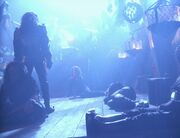 Torres erwacht auf der Barke der Toten