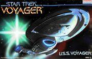 Revell Model Kit 3604 USS Voyager 1995