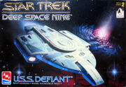 AMT Model kit 8255 USS Defiant 1996